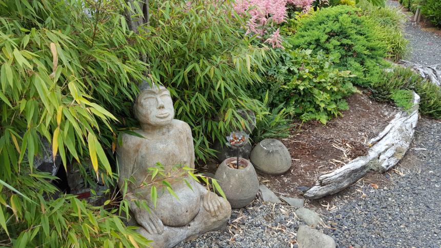 Westport Winery Garden Resort, Zen Garden Sculptures