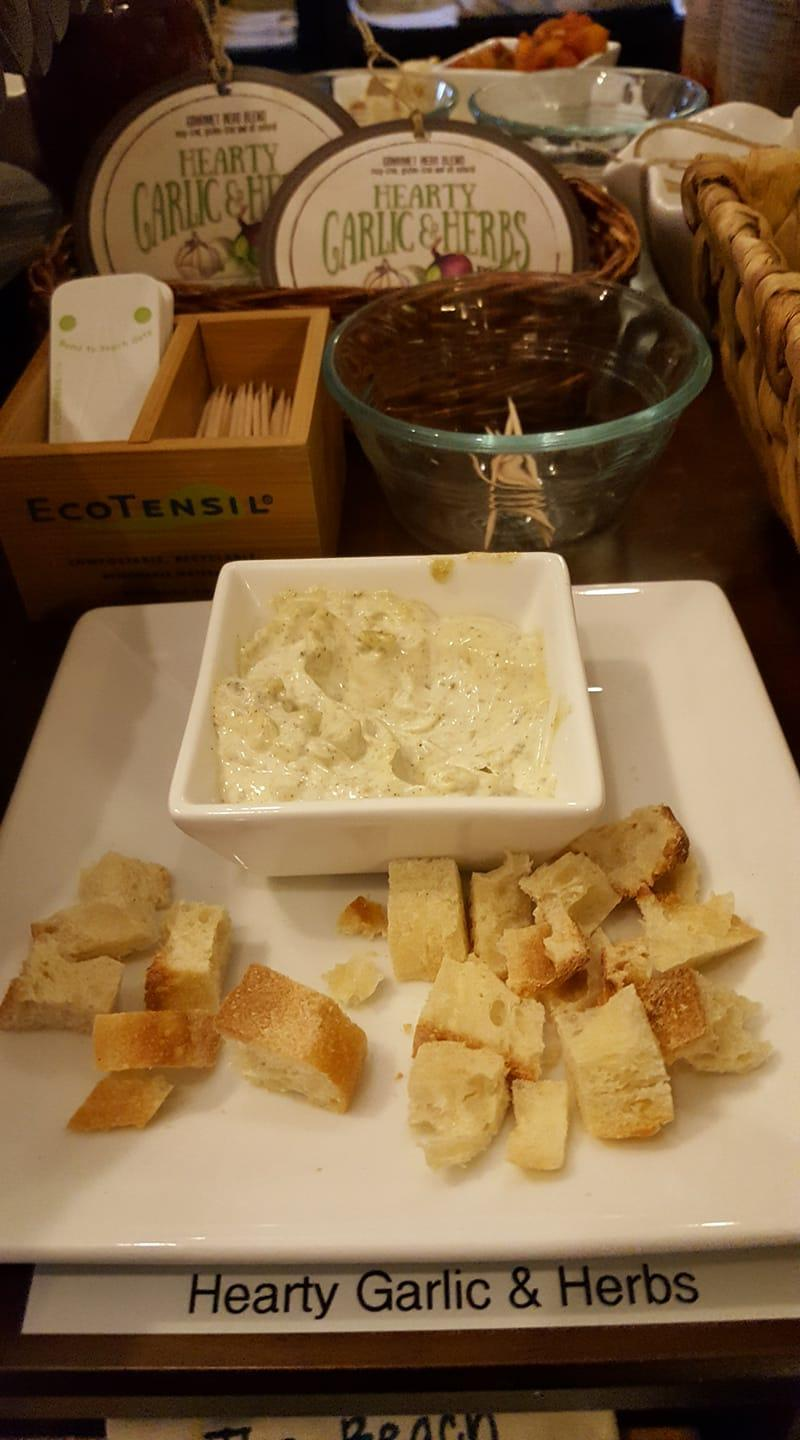 Hearty Garlic Feta Dip